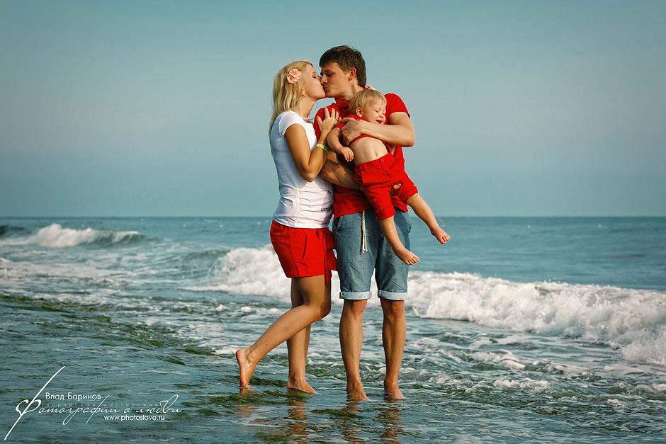 Откровенные семейные фото на море фото 745-479
