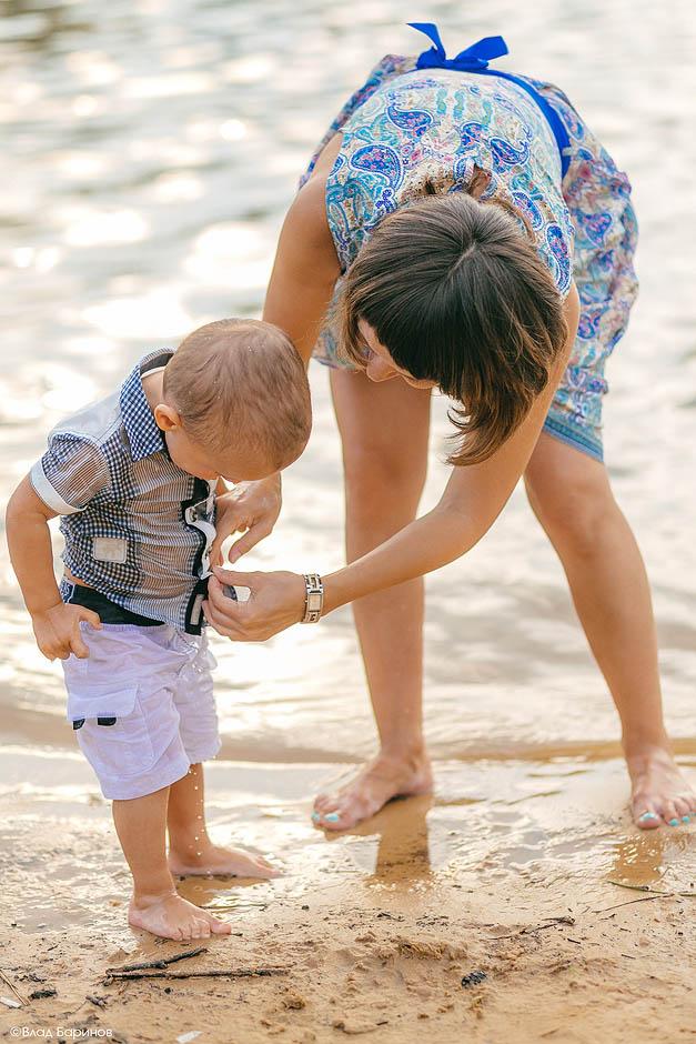 купание ребенка на фотосесии