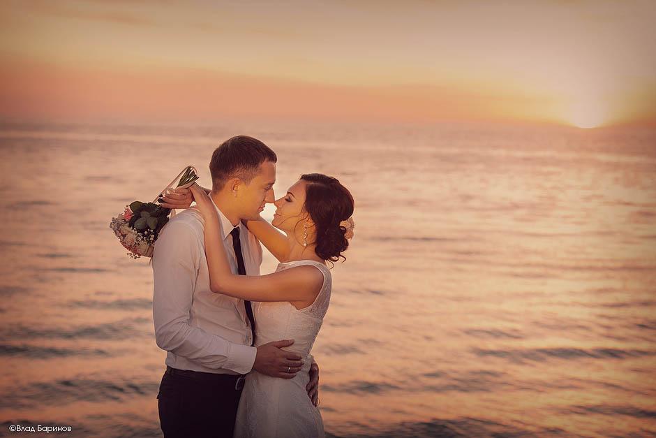 Свадьба на закате у моря